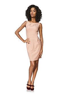 Моделирующее платье-футляр