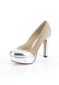 Обувь на каблуке и небольшой платформе