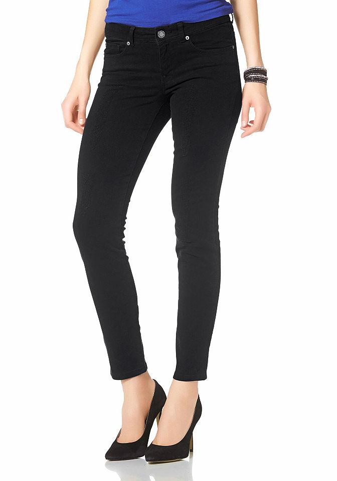 Купить джинсы с карманами