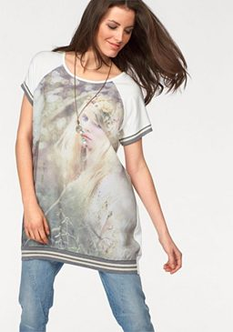 Длинная футболка