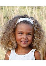 Налобная повязка для девочек белого цвета Cfl. http://vgarderobe.ru/cfl-i-large-470-199470-3.jpg.